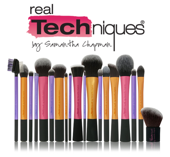 https://phoenixbeautylounge.files.wordpress.com/2013/03/real-techniques-make-up-brushes.png?w=584&h=541