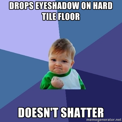 Drops eyeshadow on hard tile floor. Doesn't shatter.